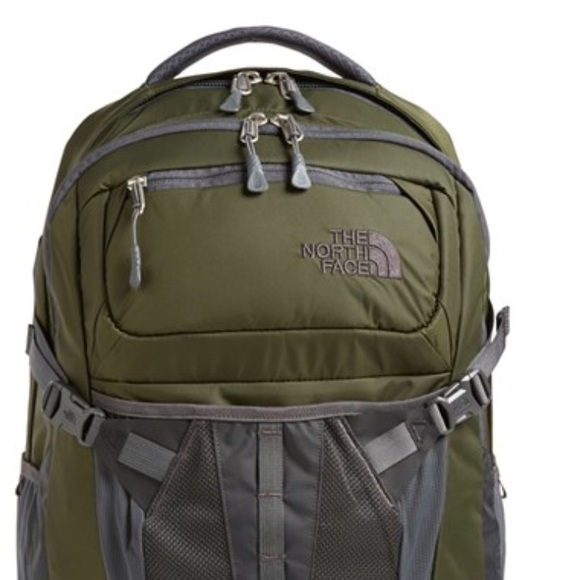 24ea2c205 The North Face Recon Backpack Daypack